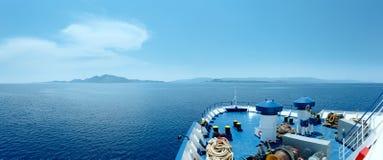 Lato denny widok od promu (Grecja) Zdjęcia Royalty Free