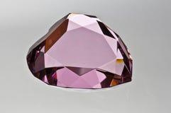 Lato di cristallo del cuore colorato colore rosa Fotografia Stock Libera da Diritti