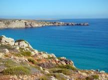 Lato di sopravvento del nord dell'isola di Menorca Fotografia Stock