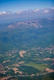 Lato e picchi francesi del paese Fotografia Stock