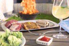 Lato grill z piec na grillu mięsem Zdjęcie Stock