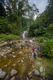 Lato Iskandar, Perak, Malezja Marzec 25, 2018 Dama bierze a fotografia stock