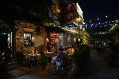 Lato kawiarnia w centrum Tbilisi zdjęcia stock
