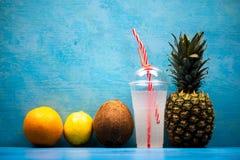 Lato koktajlu odświeżający napój fotografia stock