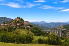 Lato krajobraz montain Tuscany Tosana, Włochy fotografia royalty free