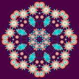 Lato kwiecisty round ornament na fiołkowym tle Zdjęcie Royalty Free