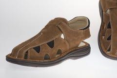 Lato mężczyzna ` s sandały na białym tle Fotografia Stock