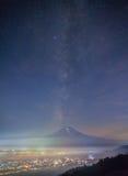 Lato nocy krajobraz Halny Fuji Zdjęcia Royalty Free
