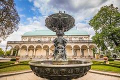 Lato pałac królowa Anne w lecie w Praga, republika czech obrazy stock