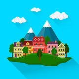 Lato pejzaż miejski z górami Zdjęcie Stock