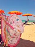 lato plażowy słomiany sunhat zdjęcia stock