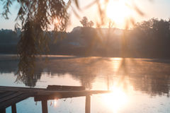 Lato pogodny ranek na stawie w wiosce Zdjęcie Royalty Free