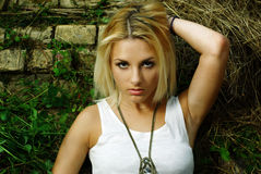 Lato portret dosyć śliczna blondynki dziewczyna Obraz Stock