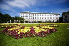 Lato posteriore del palazzo di Mirabell a Salisburgo fotografia stock libera da diritti