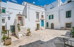 Lato ranek w Martina Franca, prowincja Taranto, Apulia, południowy Włochy Zdjęcia Stock