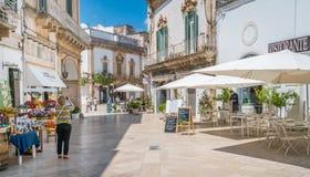 Lato ranek w Martina Franca, prowincja Taranto, Apulia, południowy Włochy Obraz Stock