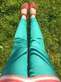 Lato relaksuje na trawie Fotografia Royalty Free