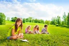 Lato rysunku szkoła w parku fotografia stock