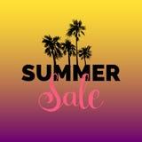Lato sprzedaży literowania wektoru tło Sezon dyskontowa ilustracja Specjalnej oferty plakat z ręki rysować palmami Obraz Stock