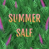 Lato sprzeda?y sztandar Plakatowych tropikalnych liści wektorowy projekt z gradientowym tekstem w liściach ilustracja wektor
