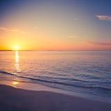 Lato turystyki plażowego wakacje podróży tła wakacyjny pojęcie Relaksującego szczęścia romantyczna idylliczna rodzinna romantyczn Fotografia Royalty Free