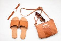 Lato ulicy styl Mody lata dziewczyny ubrania Ustawiający, akcesoria fotografia stock