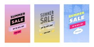 Lato ustawiający etykietki, etykietki z zabawa elementami, ręka rysujący tekstura zestaw, literowanie, i Kolekcja z palmą ilustracji