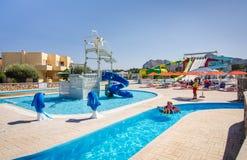 Lato widok dla Mikri Poli hotelu wody parka Fotografia Stock