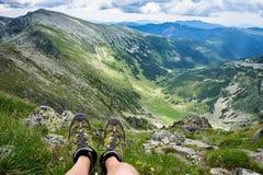 Lato wycieczkuje w górach Zdjęcia Royalty Free