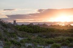 Lato zmierzch nad wydmową trawą w Newport, Rhode - wyspa Obrazy Stock