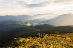 Lato zmierzchu krajobraz w Karpackich górach zdjęcie stock