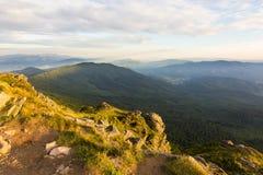 Lato zmierzchu krajobraz w Karpackich górach obraz stock