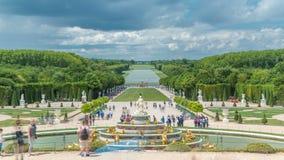 Latona喷泉在凡尔赛timelapse庭院里在法国 股票录像