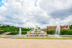 Latona Fountain Pool, opposite the main building of the Palace o Stock Photos