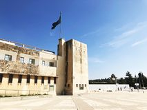 LATRUN, ISRAËL 13 MARS 2018 : Site commémoratif et le musée blindé de corps dans Latrun, Israël images libres de droits