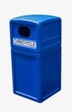 Latta blu della plastica dello scomparto di riciclaggio Fotografia Stock