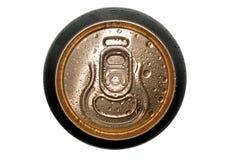 Latta di birra con la vista superiore di gocce immagini stock libere da diritti