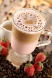 latte草莓 免版税库存照片