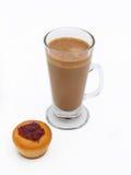 Latte булочки и кофе стоковые изображения