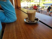 Latte кофе в кафе стоковая фотография rf
