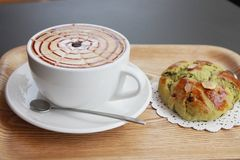 Latte кофе хлебопекарни хлеба хлебопекарни Стоковые Фотографии RF