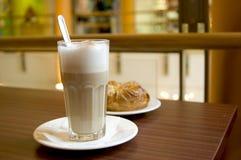咖啡馆latte 图库摄影