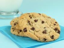 Latte & biscotti Immagini Stock Libere da Diritti