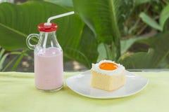 Latte arancio della fragola e del dolce Fotografia Stock Libera da Diritti