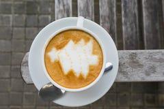 Latte Art Coffee dell'albero di Natale Fotografia Stock