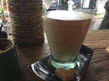 Latte caldo Caffè e biscotto fotografie stock libere da diritti