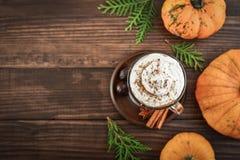 Latte d'épice de potiron photos libres de droits