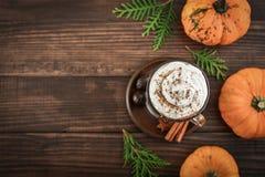 Latte d'épice de potiron photo stock