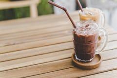 latte de chocolat glacé et de café glacé images stock
