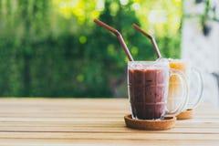 latte de chocolat glacé et de café glacé image libre de droits